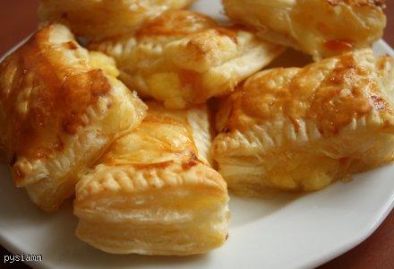 Szybkie francuskie ciasteczka z budyniem i musem brzoskwiniowym
