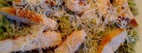 Makaron z zielonym pesto i kurczakiem