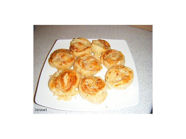 Pizzasnegle - duńskie bułeczki a la pizza ( 40 sztuk)