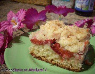 Ciasto ze śliwkami z kokosową kruszonką