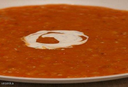Rozgrzewająca zupa pomidorowa z soczewicą (ostra)