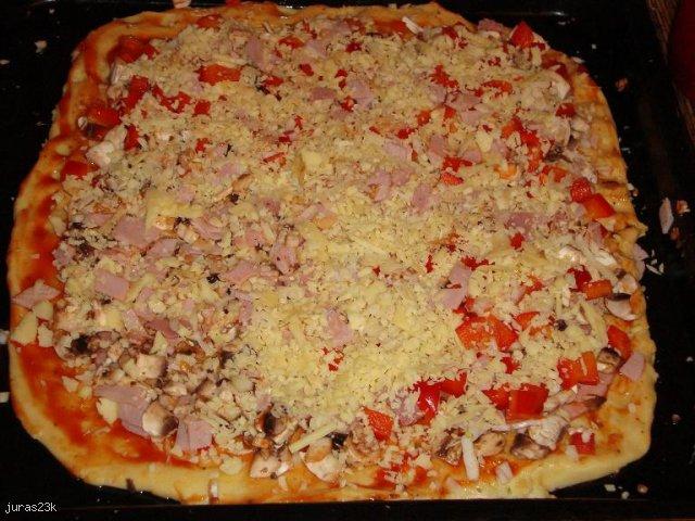 pizza z cienkim ciastem