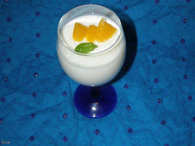 Śnieżna galaretka jogurtowa