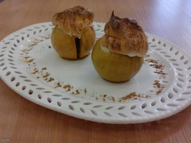 Jabłka w czapeczkach:)
