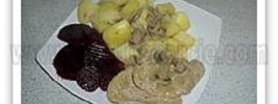 Bitki wieprzowe w sosie pieczarkowo-cebulowym