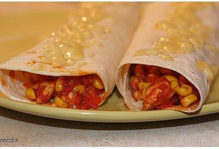 Moje Burrito Czyli Tortilla Z Kurczakiem Przepis Kulinaria Wizaz Pl
