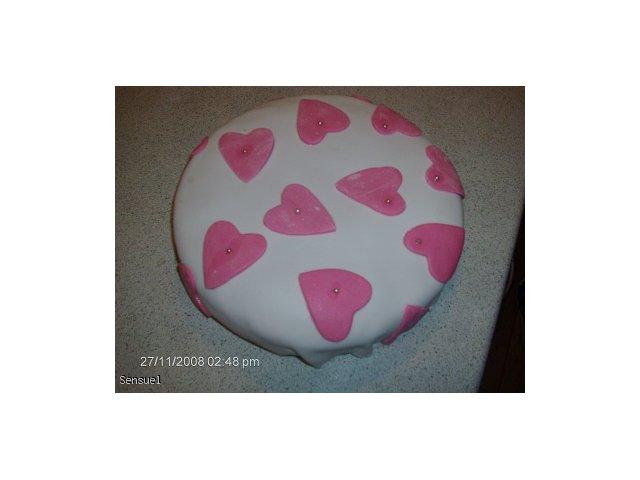 Biała masa cukrowa do ozdoby tortów