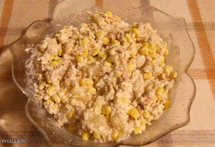 Sałatka z tuńczykiem, ananasem, kukurydzą i ryżem! :)