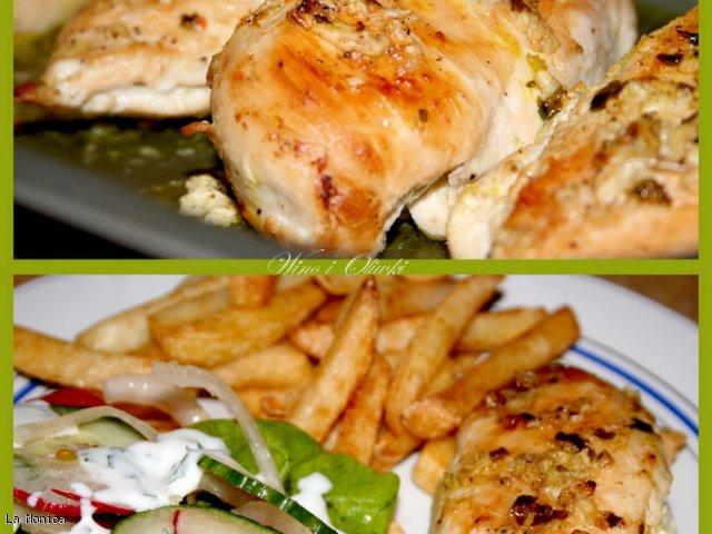 Pierś kurczaka po lewantyńsku z kolorową surówką