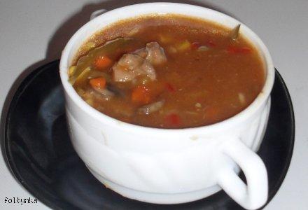 Pikantna zupa gulaszowa