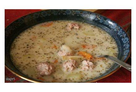 Zupa na kwasie z kulkami