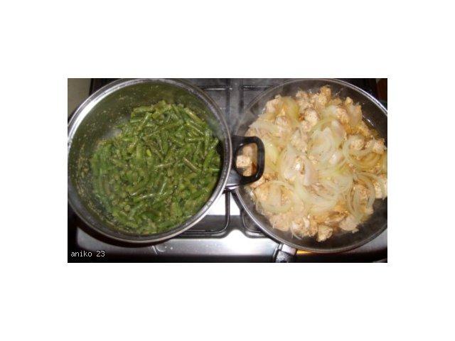 Kurczak a la gyros z fasolką szparagową