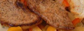 Polędwica wieprzowa z papryką i cebulką