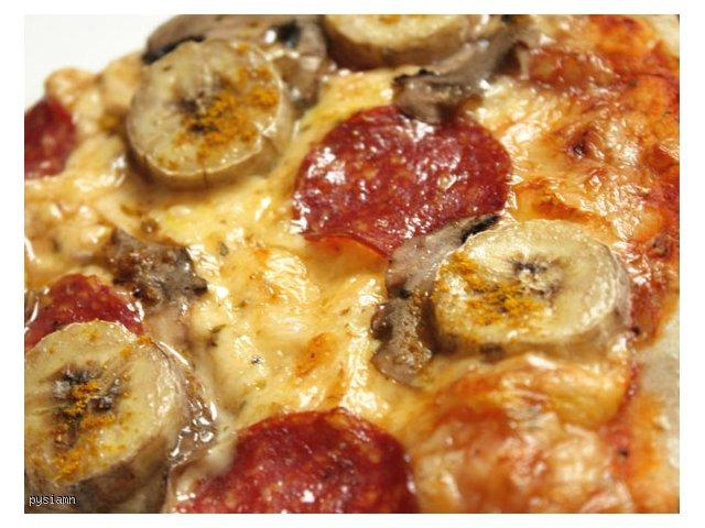 Pizza na cienkim cieście (łatwa i pyszna)