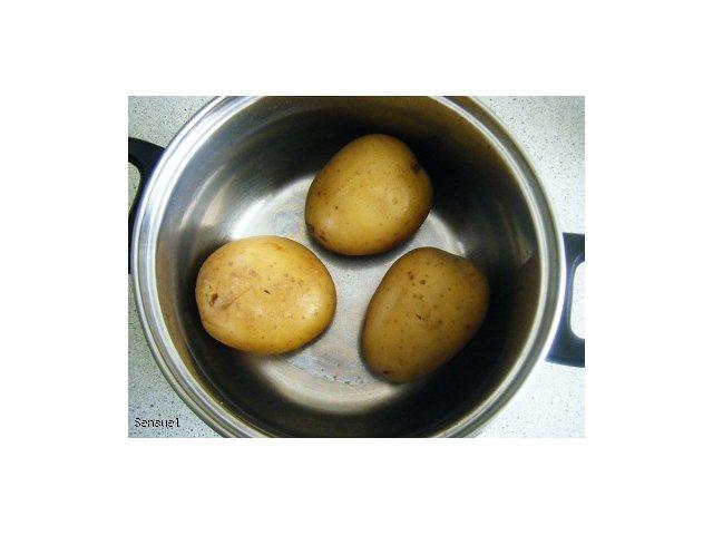 Ziemniaki zapiekane z masełkiem czosnkowym