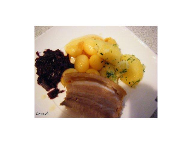 Ribbenstag - duńskie danie z wieprzowych żeberek ze skórą