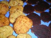 Ciasteczka owsiano-pomarańczowe w gorzkiej czekoladzie