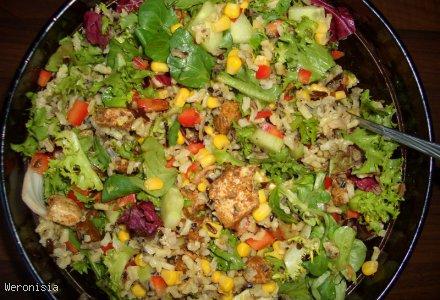 Sałatka z kurczakiem i ryżem