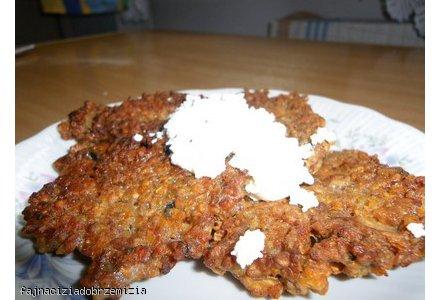 placuszki gryczane z serem i pieczarkami + sos czosnkowy