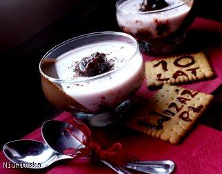 Deser wiśniowy z nutą kakaową