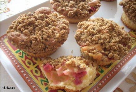 Babeczki , muffinki z rabarbarem