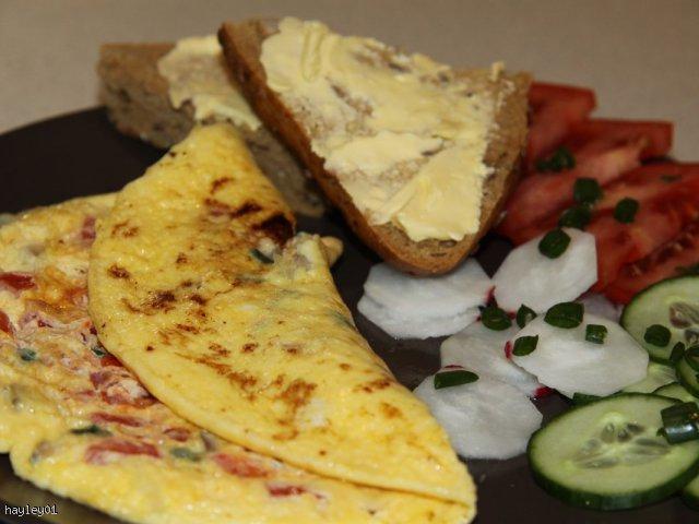 Kolorowy omlet na śniadanie