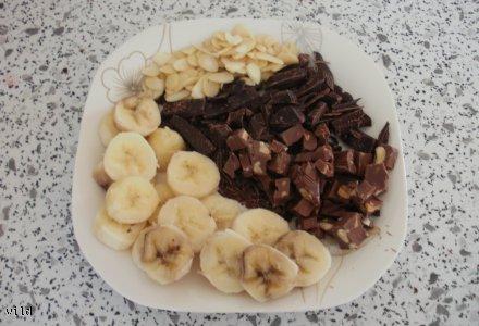 ciasteczka francuskie z bananami i czekolada :)