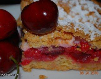 Kruche ciasto z czereśniami i czerwona porzeczką