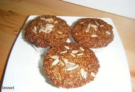 Muffinki razowe z jabłkami