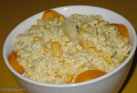 Sałatka z kurczakiem i curry