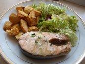 Losoś z masełkiem czosnkowym - przepis na gotowy obiad