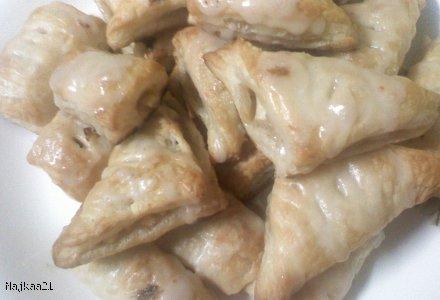 ciasteczka z ciasta francuskiego z nadzieniem jabłkowym
