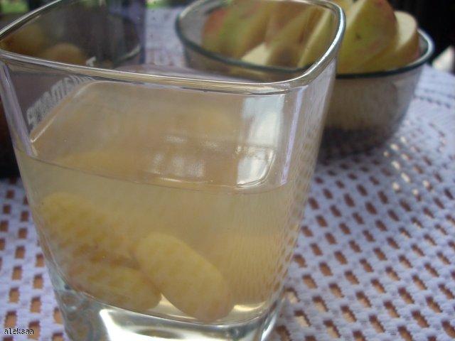 Kompot z winogron z miodową nutą