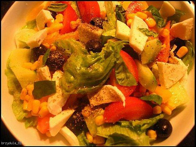 szybka salatka z mozarella