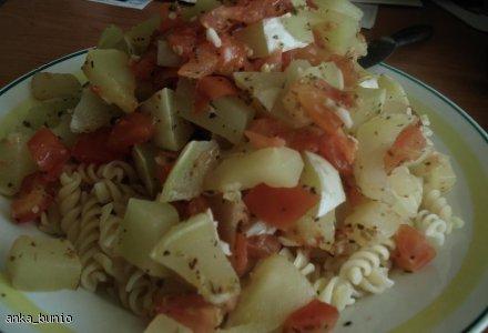 Makaron z pati(n)sonkiem i pomidorami