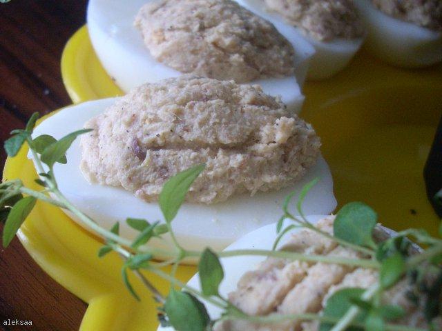 Jajka faszerowane makrelą