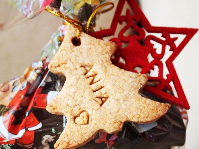 Świąteczne imienne pierniczki korzenne do prezentów