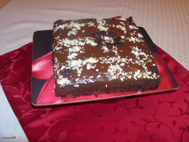 Czekoladowe ciasto z colą i karmelową polewą