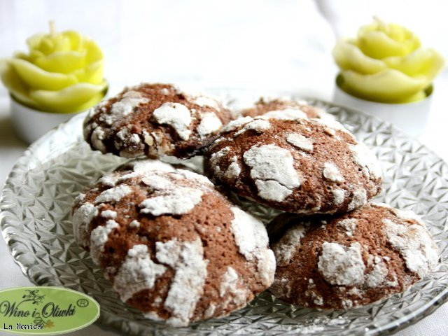 Popękane ciasteczka (Chocolate Crinkle Cookies)