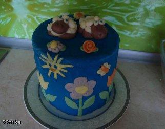 Tort z owieczkami