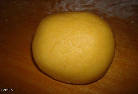 Sernik cytrynowy pod bezową kołderką