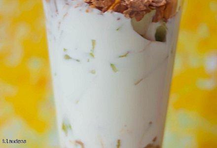 Deser jogurtowy z gruszką