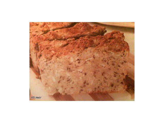 Chleb z ziołami i serem