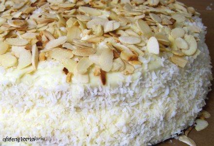Tort migdałowy a'la Rafaello