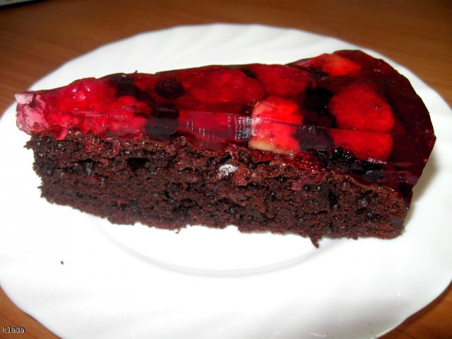 Mocno czekoladowe z owocami i galaretką