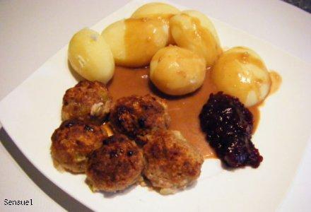 Kødboller med sovs - mięsne kuleczki z sosem (pomysł na obiad)