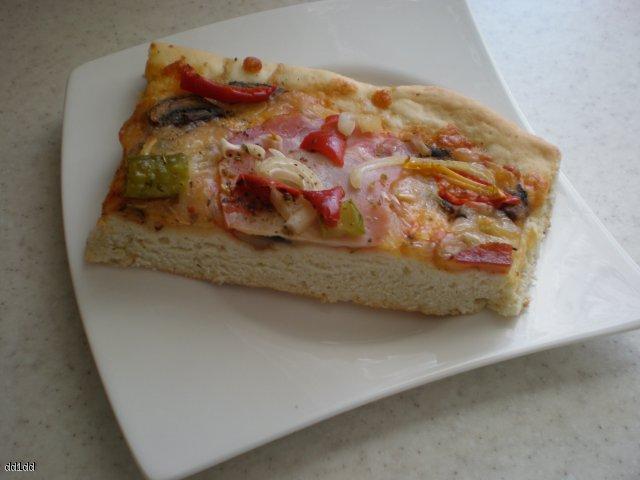 Drożdżowe ciasto na pizzę