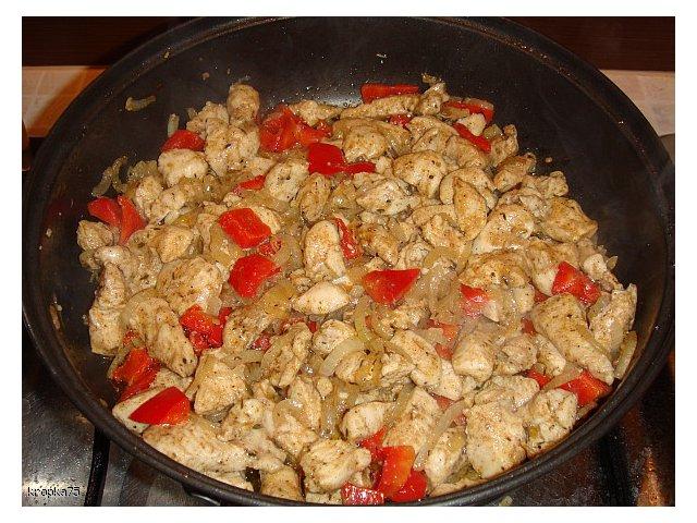 Naleśniki z kurczakiem typu gyros