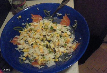 Sałatka surimi z ryżem