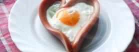 Serce z parówki i jajka.